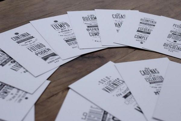 postales la papelera de reciclaje